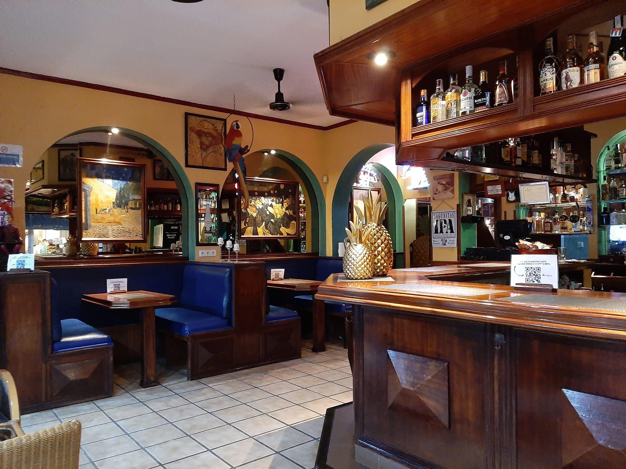 van-gogh-pub-interior